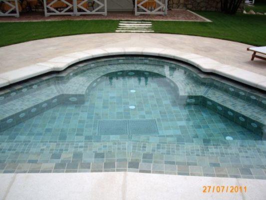 Pavimentazione piscina Hotel