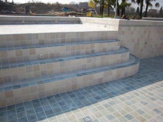 Pavimentazione per piscina hotel